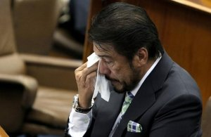 Source: http://ph.news.yahoo.com/photos/sotto-vs-rh-bill-photo-1344934820.html